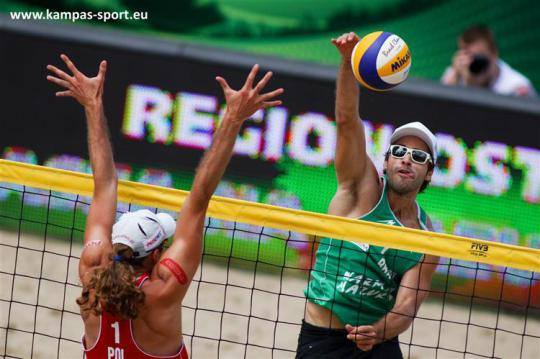 Poland vs Brazil - FIVB Beach Volleyball World Championschips 2013